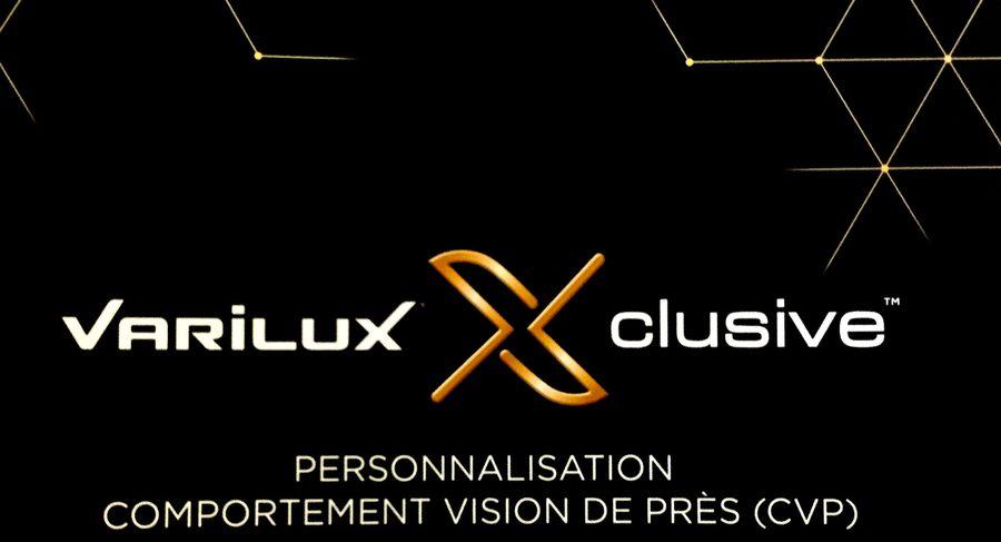 Varilux-Xclusive-Comportement-CSP-vision-de-prs-en-excusivit-petit